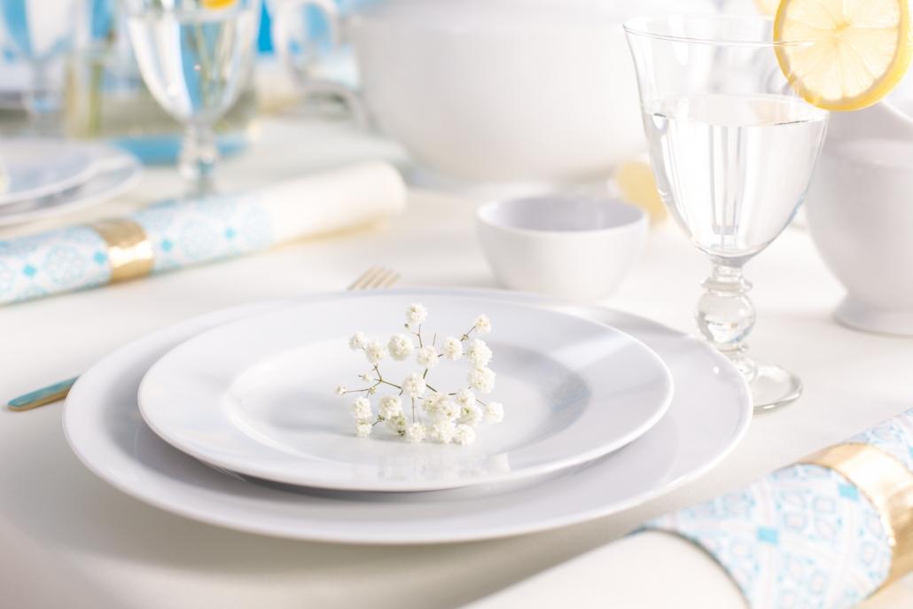 dekoracje na stół komunijny, porcelana na komunię, mariapaula klasyka biała