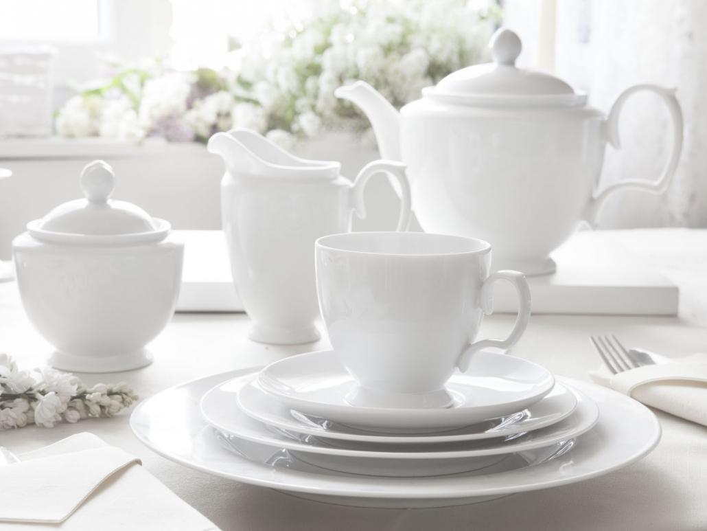 porcelana mariapaula biała, biała porcelana, przyjęcie komunijne